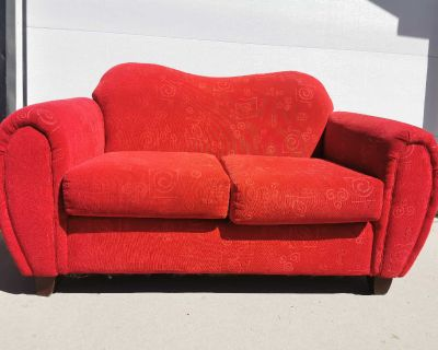 Red accent loveseat