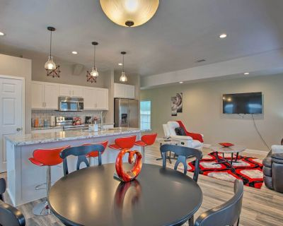 NEW! Modern Fort Worth Retreat ~ 5 Miles to Dtwn! - Como