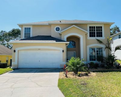 Golf View- Spacious Home - Private Pool - Free Internet - Haines City