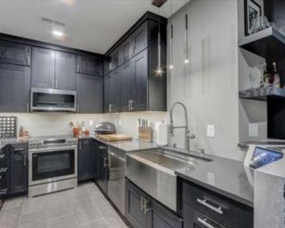 1300 N Prospect Ave, Milwaukee, WI 53202 2 Bedroom Condo