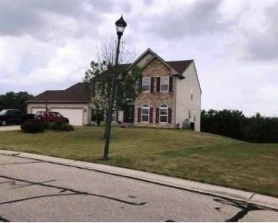 4 Bed 3 Bath Foreclosure Property in Germantown, WI 53022 - W15442 Daniels Dr