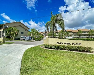 Get it while you can, still an opportunity to rent this spacious condo. - Caloosahatchee