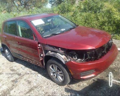 Salvage Red 2013 Volkswagen Tiguan