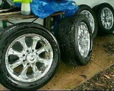 8 Lug Chevy Gmc Wheels / Tires