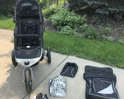 Valco baby Runabout Tri-Mode Jogging All Terrain Stroller with Extra Accessories