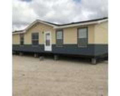 Excellent condition 2007 Oak Creek 28x60, 3/2 - for Sale in Elmendorf, TX