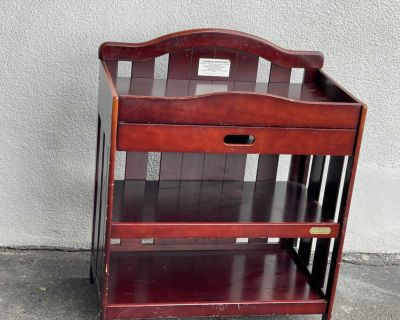 Table langer pour b b , baby changing table Table couche, rangement, diaper table