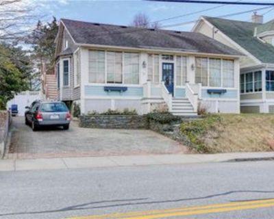 73 Bliss Rd, Newport, RI 02840 2 Bedroom Apartment