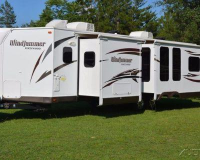 2014 Rockwood WINDJAMMER 3025W