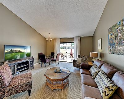 Country Club Townhome with Pool, Hot Tub, Golf & Tennis - Palm Desert