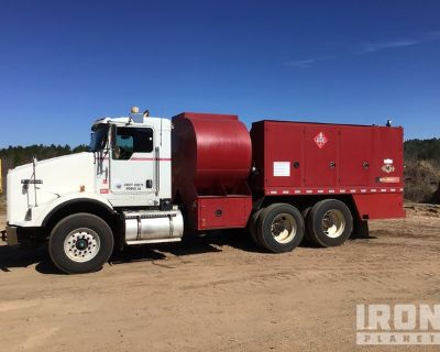 2012 Kenworth T800 4x2 T/A Fuel & Lube Truck