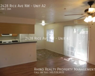 2 Bedroom, 1 Bath Close to Old Town! Available Now!