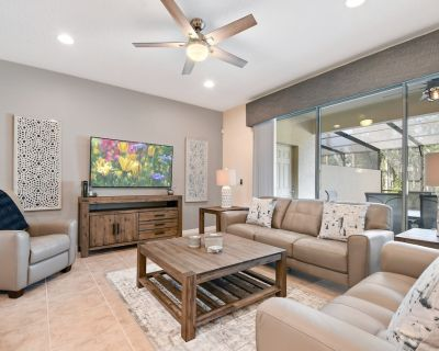 Beautifully Furnished Luxury 4 Bedroom 3.5 Bathroom Town Home with Free Wifi and Private Pool - Four Corners