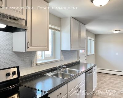 SS Appliances, Eat In Kitchen, White Tiled Shower, On Site Laundry, & Pet Friendly