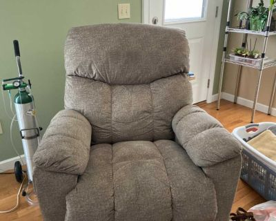 LazBoy Recliner Need Gone ASAP!! $350