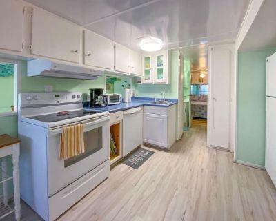 Cozy, Perfect Conch Cottage! - Cudjoe Key