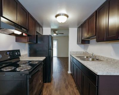 Dundale Square Apartments & Townhomes