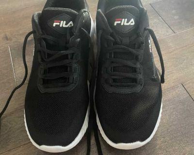 Men s fila shoes size 9