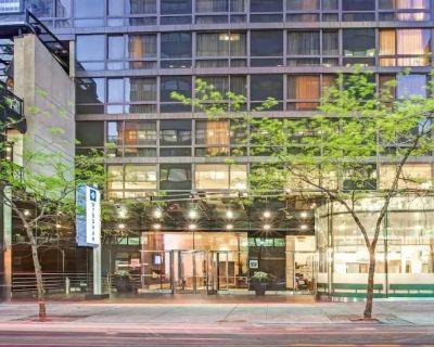Wyndham Midtown Manhattan 45 New York City One Bedroom Suite Sleeps 4 - Turtle Bay