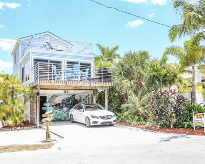The Snowbird Express - Beachside Home with Gulf Views at an Affordable Price - Mid Island