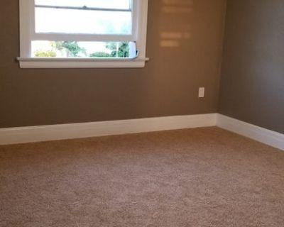 Lg. Bedroom, Bonus closet/UtilitiesParking Incl.