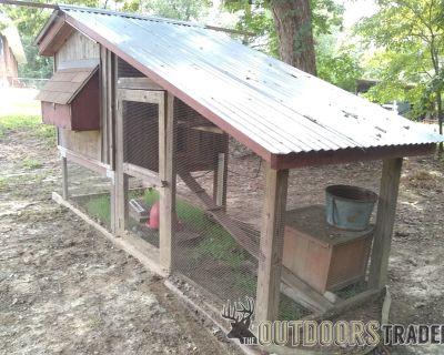 FS/FT Chicken Coop - professional built