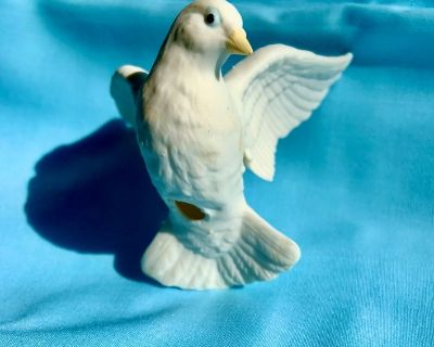"White Ceramic Dove of Peace - 3"" x 3"""
