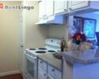 Studio apartment 4701 Kenmore Ave