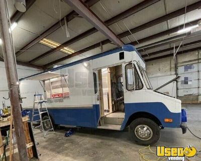 Ford Step Van Food Truck with Brand New Professional Kitchen