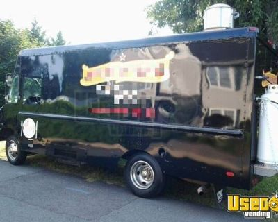 Inspected 14' Chevrolet P30 Diesel Food Truck / Commercial Mobile Kitchen