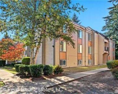14600 Ne 32nd St #I24, Bellevue, WA 98007 3 Bedroom House