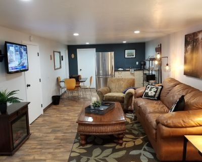 Cabin Guest Apartment Downstairs - Quite, Cozy, Relaxing - 5 Min To Downtown - Rancho Vista Hills