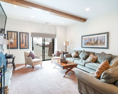NEW - TAKE A LOOK! Roomy Condo With Direct Walk To PCMR - Downtown Park City