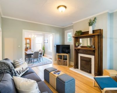 Charming Home W/ Patio Steps From Trendy Broadway - Speer