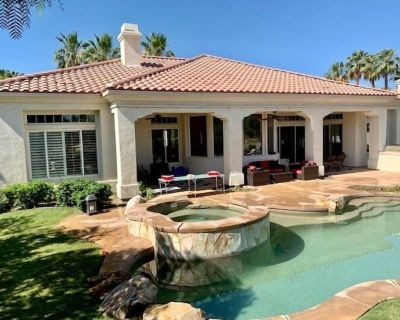 Expansive 4 bedroom Pool Estate! Large lot and pool table! #259174 - La Quinta