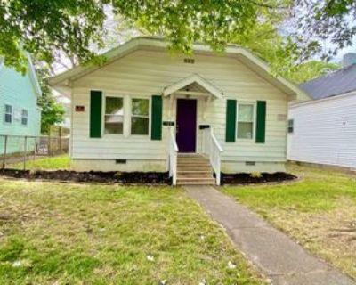 721 E Iowa St #1, Evansville, IN 47711 2 Bedroom Apartment
