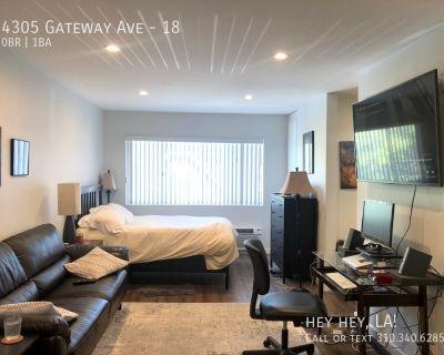 Spacious Courtyard Studio Apartment | Silver Lake