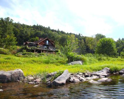 Stunning Riverfront Log Cabin With Spectacular Views - Narrowsburg