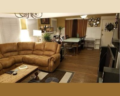 Room for rent in Francis Avenue, Central LA - Private Rooms inside a Big Old House in K-town