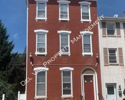 Nicely Renovated Sunny 1-Bdrm 3rd FL Apartment For Rent - 521 Cherry Street, # 5 - Available Now!