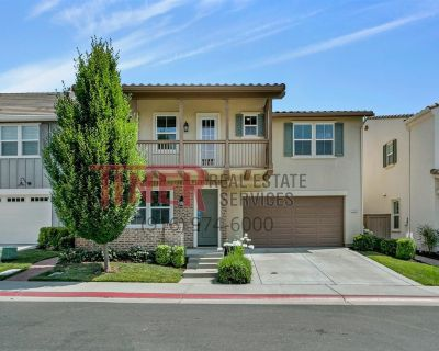 Beautiful home with great amenities in the Parkway in Folsom