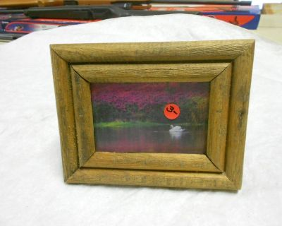 Small Picture Frame, 7 Inch by 9 Inch With Picture of Duck