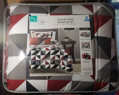 8pcs Mainstays Coordinating Bedding set NIP
