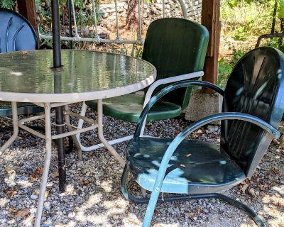 4 vintage metal chairs