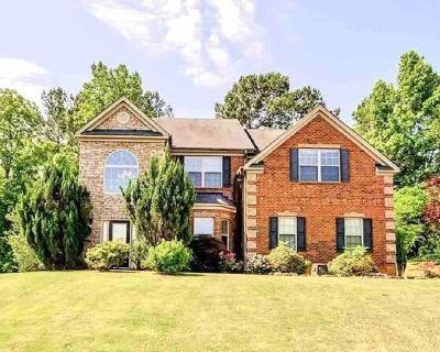 Beautiful 5 Bedroom Home in Jonesboro! - Stockbridge