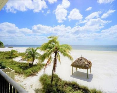 Welcome to Pelican Watch #105, your luxurious Gulf Front address in paradise! - Fort Myers Beach
