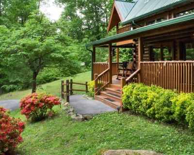 Unique cabin with wrap-around deck, hot tub, pool access and game room - Pigeon Forge