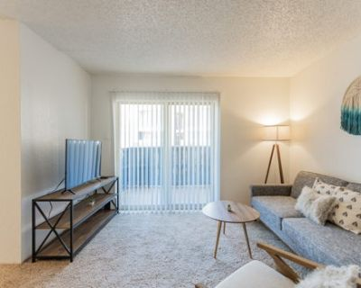 Cozy Suite Just Outside Downtown Midland