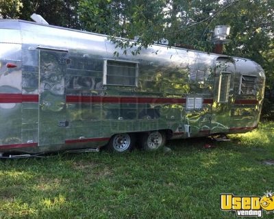 Vintage Streamline Camper 8' x 25' Food Concession Trailer with Bathroom