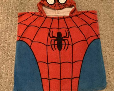 Small kids spider man hooded towel